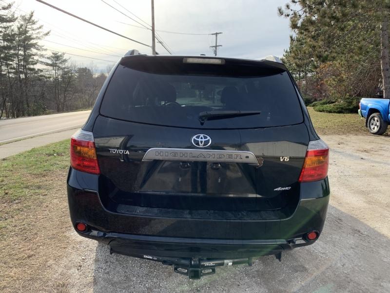 Toyota Highlander 2009 price $9,895