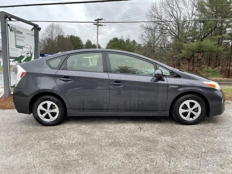 Toyota Prius 2013 price $7,895