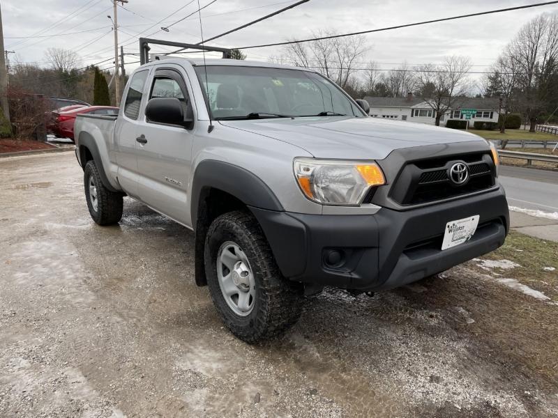 Toyota Tacoma 2012 price $10,895