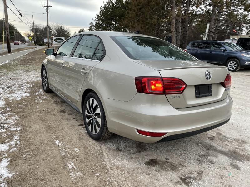 Volkswagen Jetta 2013 price $8,995