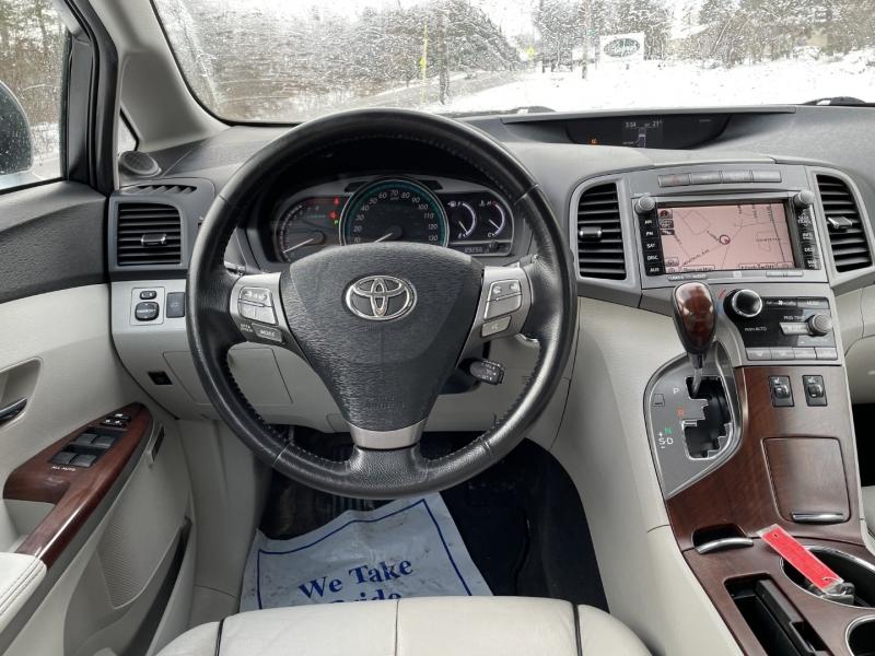 Toyota Venza 2009 price $9,985