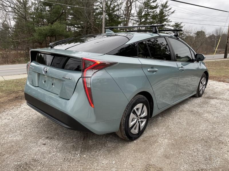 Toyota Prius 2016 price $10,995