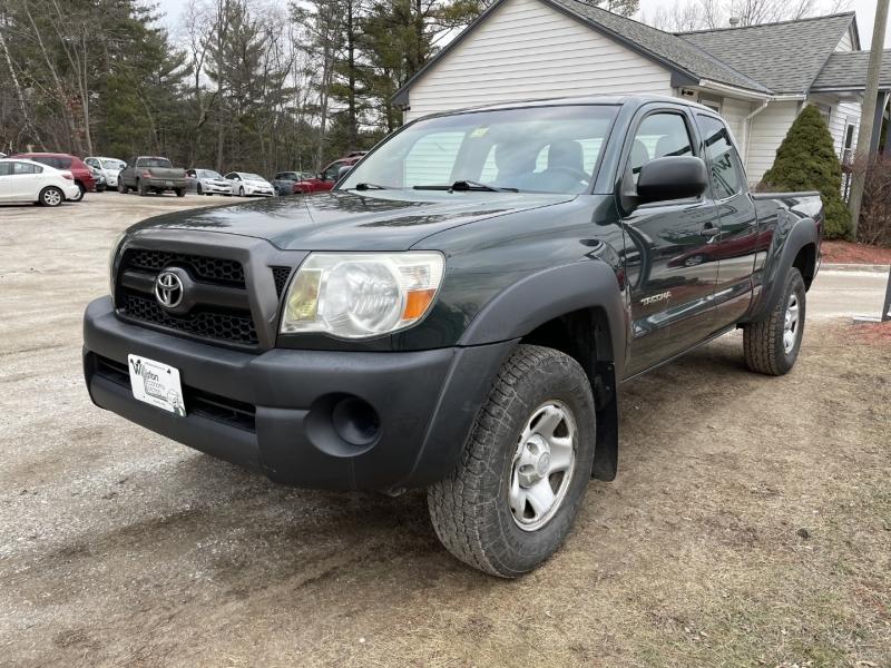 Toyota Tacoma 2011 price $12,995