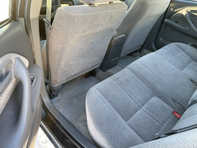 Toyota Camry 2000 price $3,895