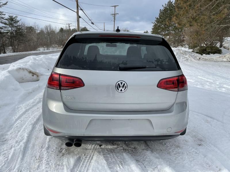 Volkswagen Golf 2015 price $7,985