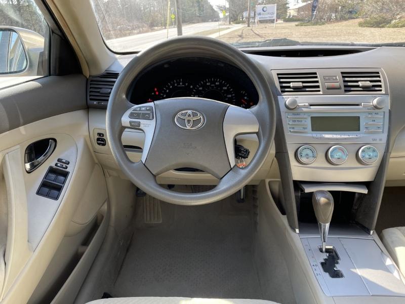 Toyota Camry 2009 price $6,895