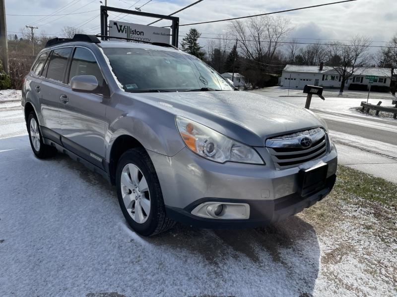 Subaru Outback 2011 price $6,895