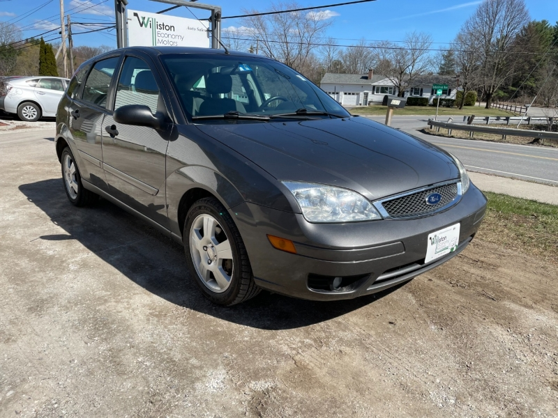 Ford Focus 2005 price $3,995