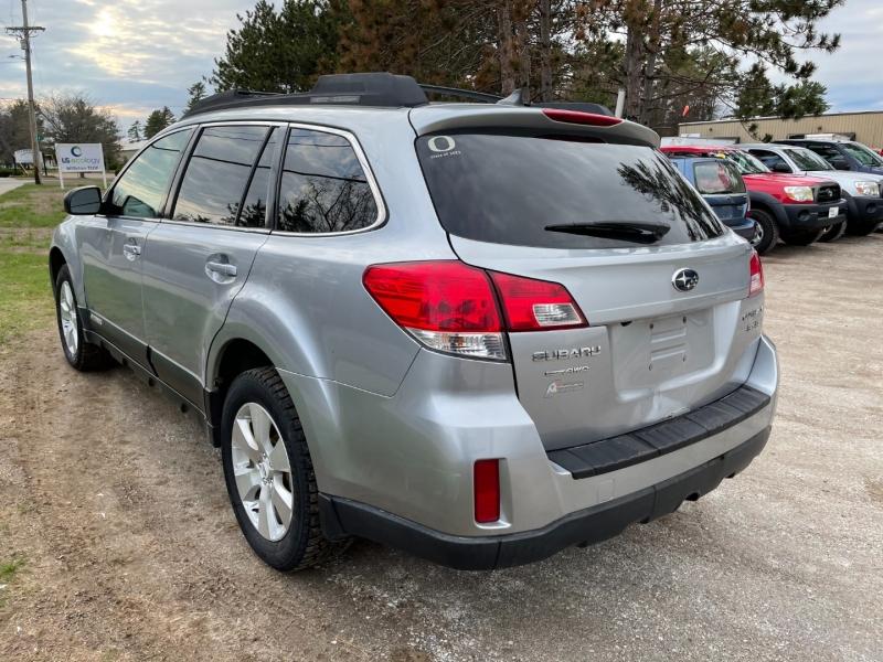 Subaru Outback 2012 price $5,895