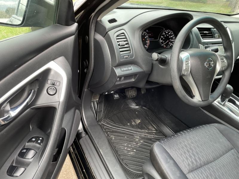 Nissan Altima 2017 price $13,995