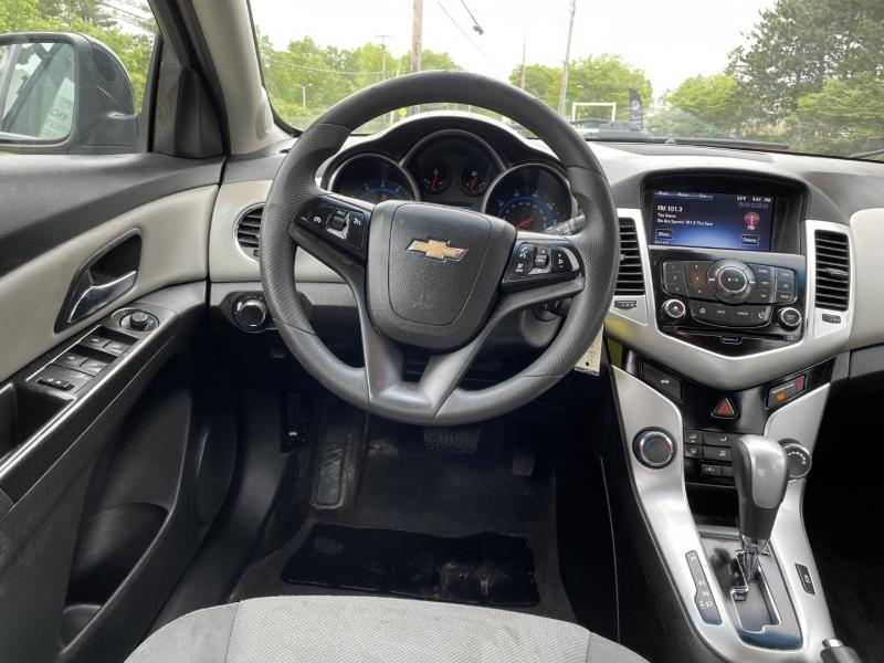 Chevrolet Cruze 2015 price $8,895