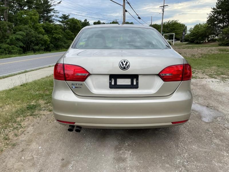 Volkswagen Jetta 2014 price $8,895