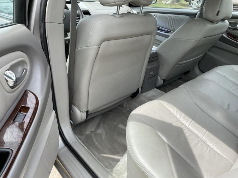 Nissan Maxima 2001 price $3,995