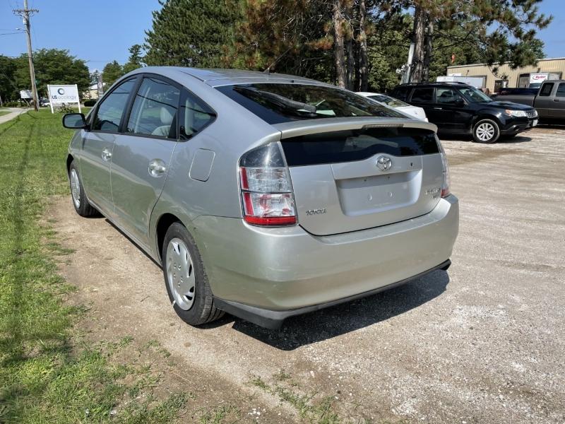 Toyota Prius 2005 price $2,995