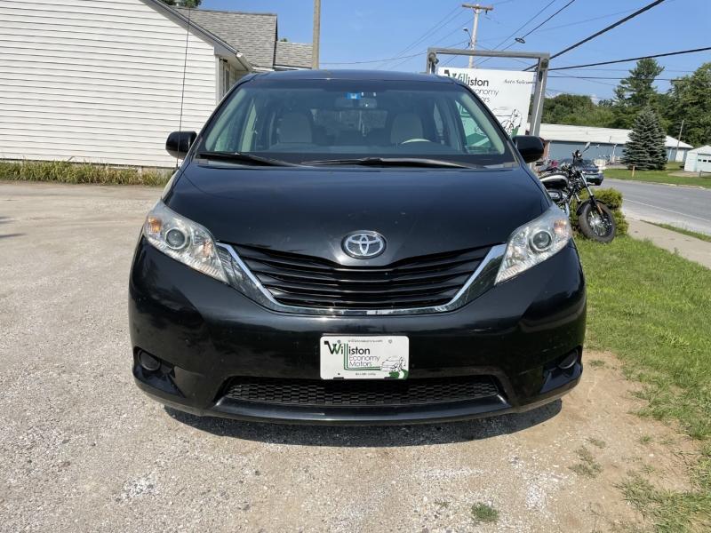 Toyota Sienna 2014 price $18,895