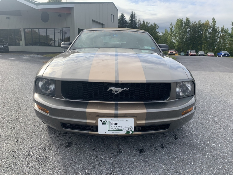 Ford Mustang 2005 price $7,895
