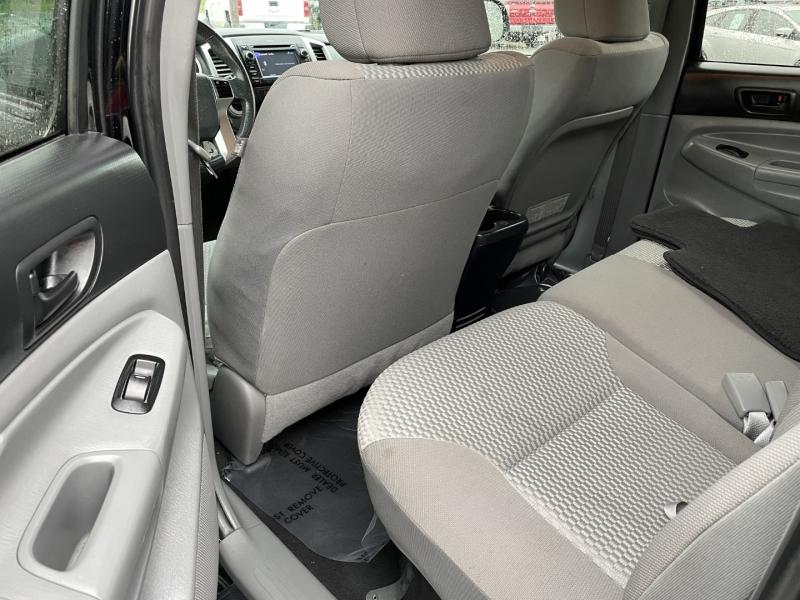 Toyota Tacoma 2013 price $23,885
