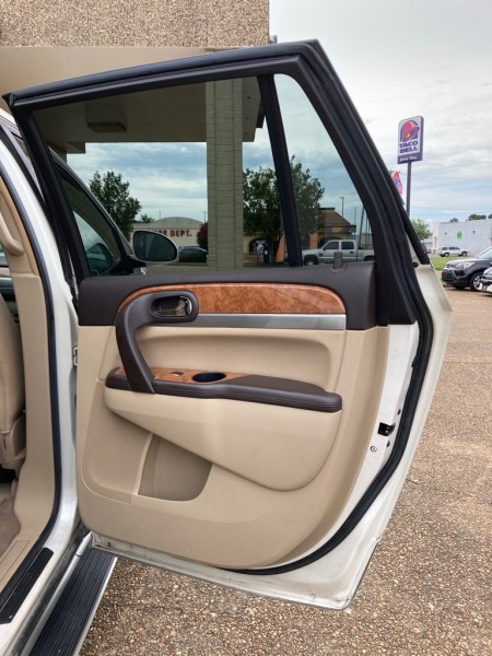 BUICK ENCLAVE 2010 price $12,995