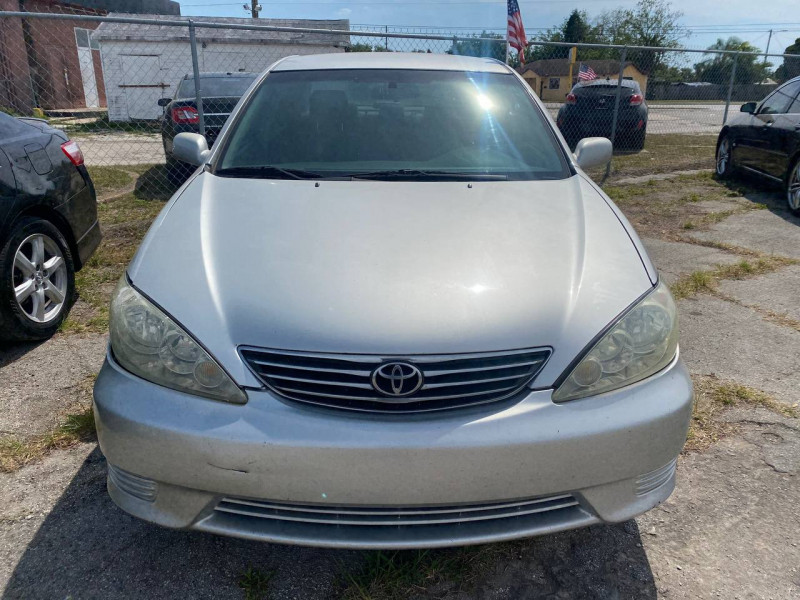 Toyota Camry 2005 price $3,800