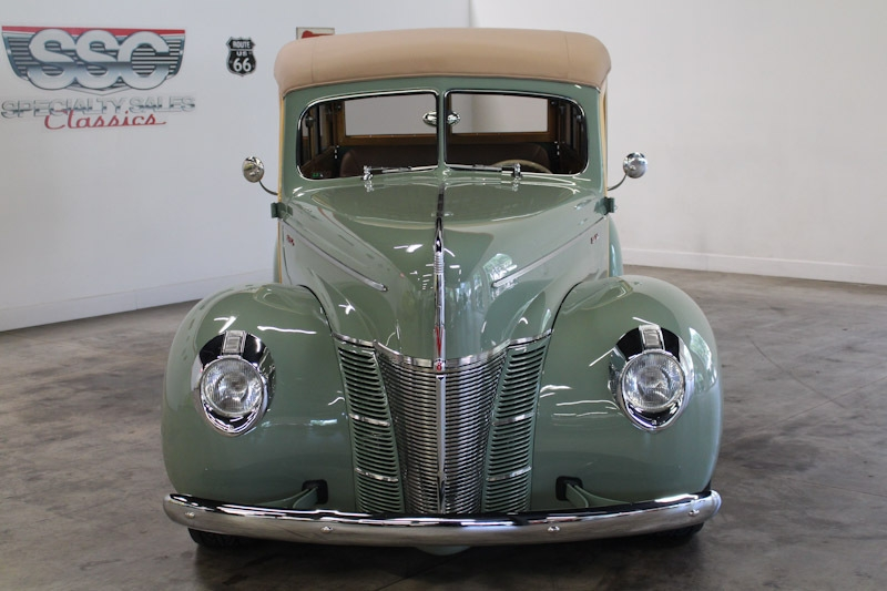Ford Deluxe 1940 price $199,990
