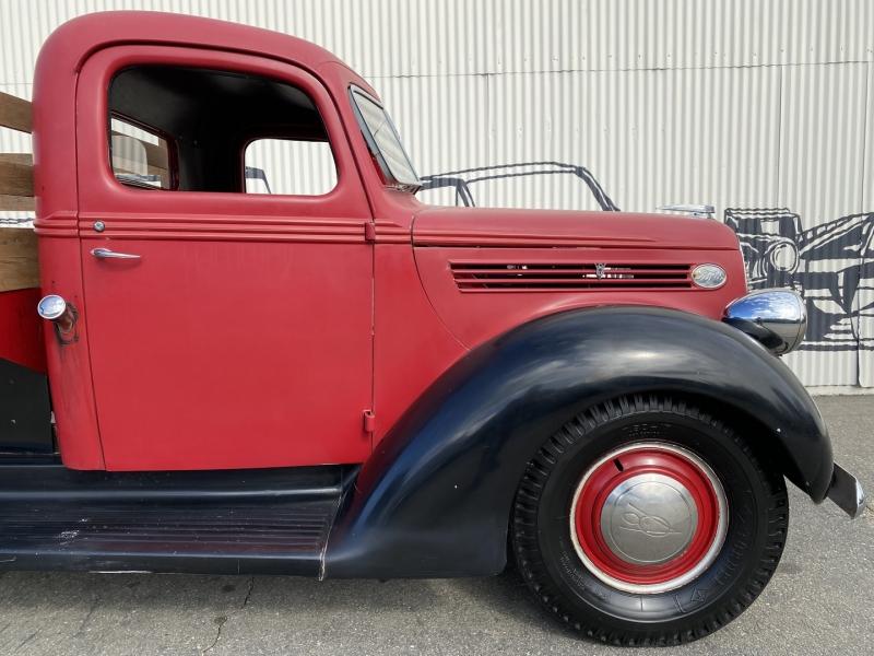 Ford I ton 1938 price $23,990