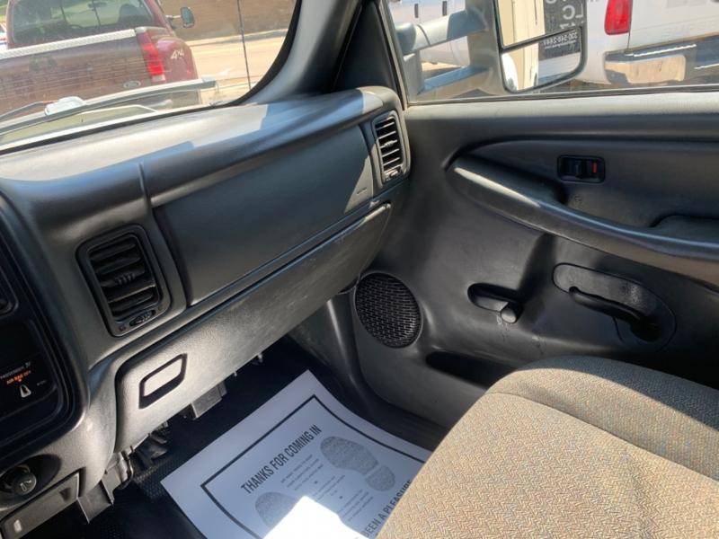 Chevrolet Silverado 2500HD 2005 price $8,995