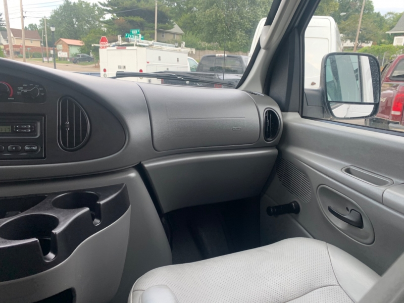 Ford Econoline Wagon 2006 price SOLD