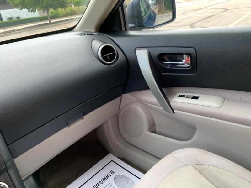Nissan Rogue 2010 price $4,495