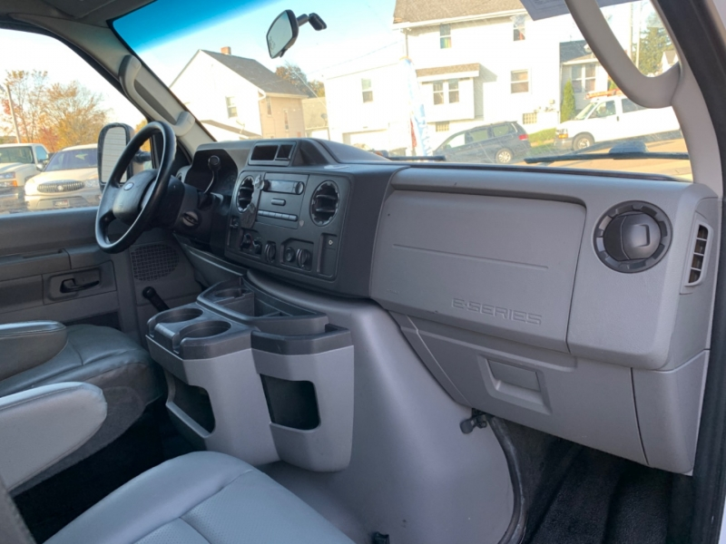 Ford Econoline Cargo Van 2013 price $7,995