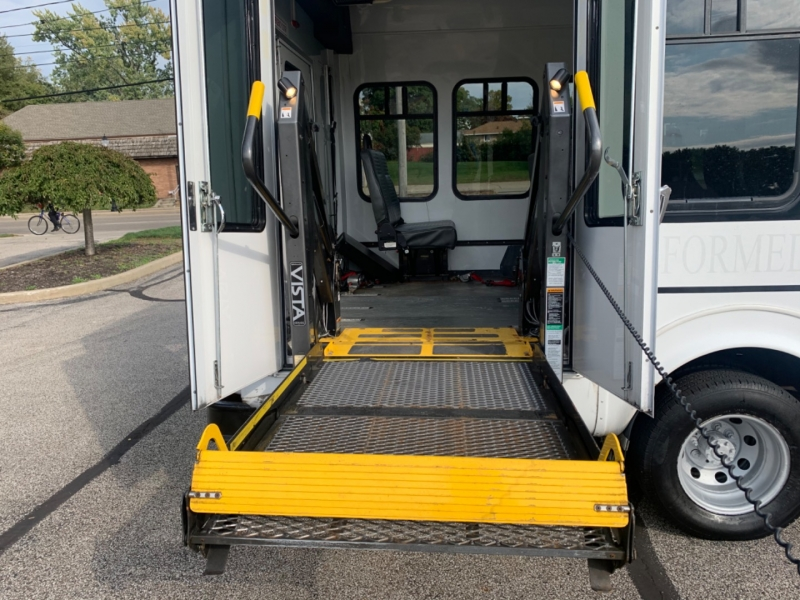 Ford Econoline Commercial Cutaway 2006 price $9,995