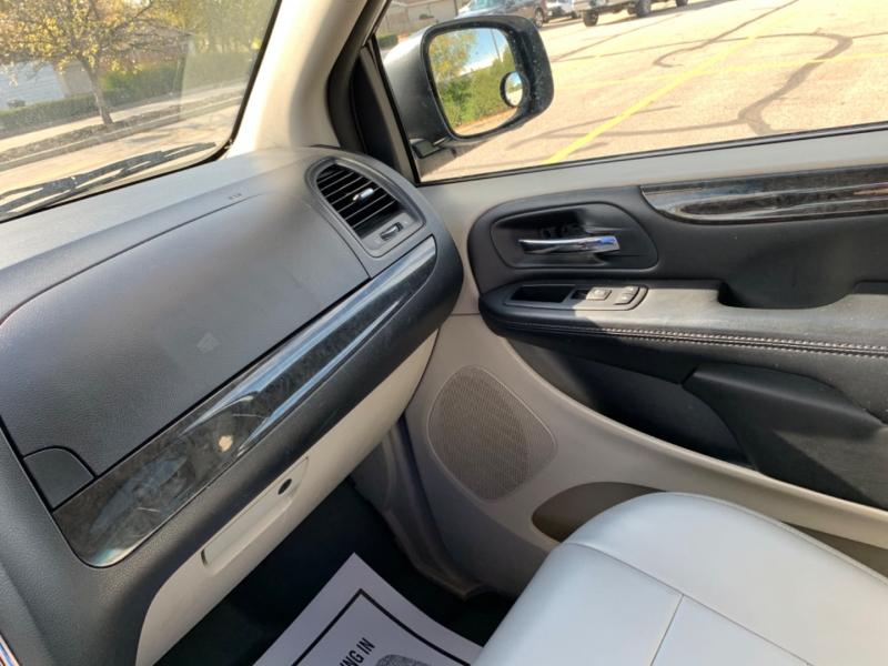 Dodge Grand Caravan 2014 price $12,495