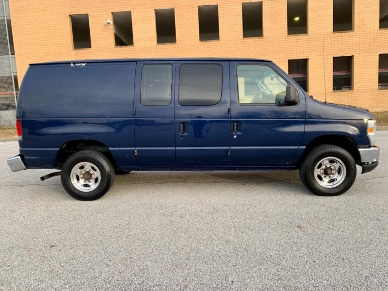 Ford Econoline Cargo Van 2008 price $5,995
