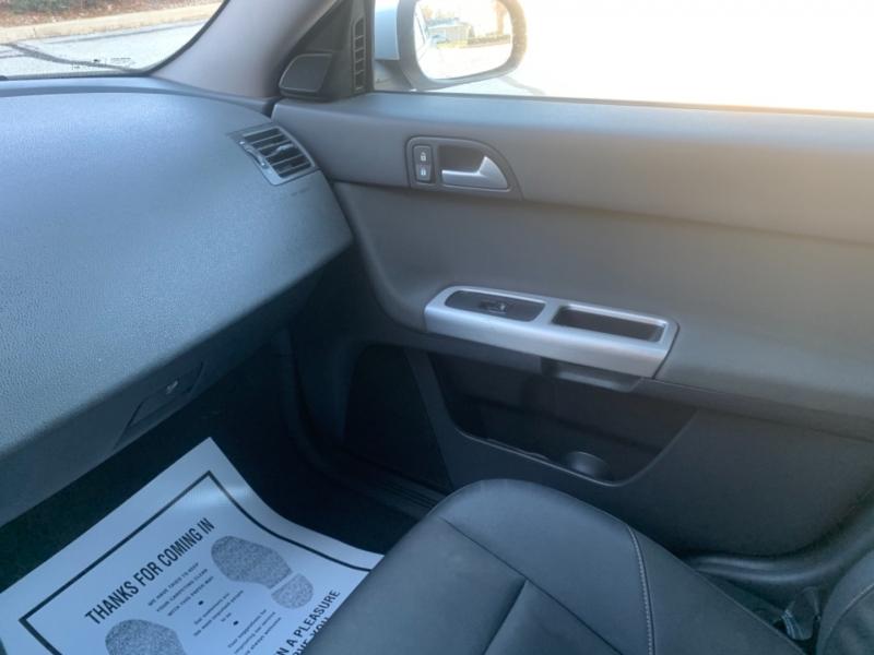 Volvo V 50 2009 price $4,295