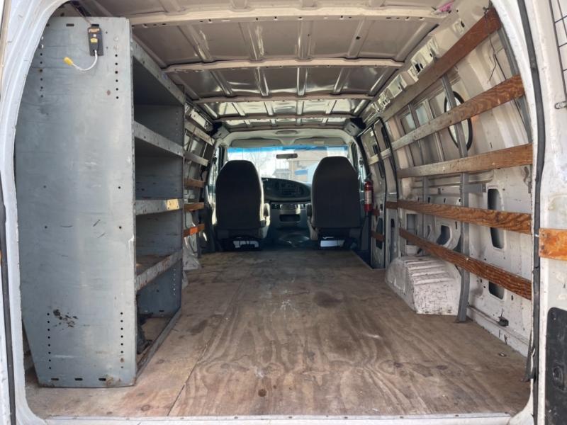 Ford Econoline Cargo Van 2006 price $9,495