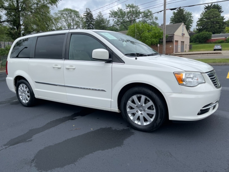 Chrysler Town & Country 2013 price SOLD