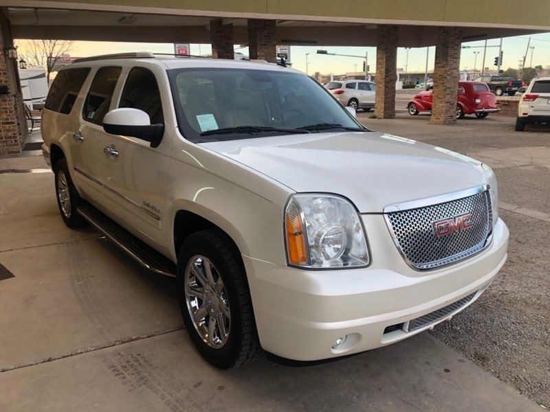 GMC YUKON XL 2011 price $13,950