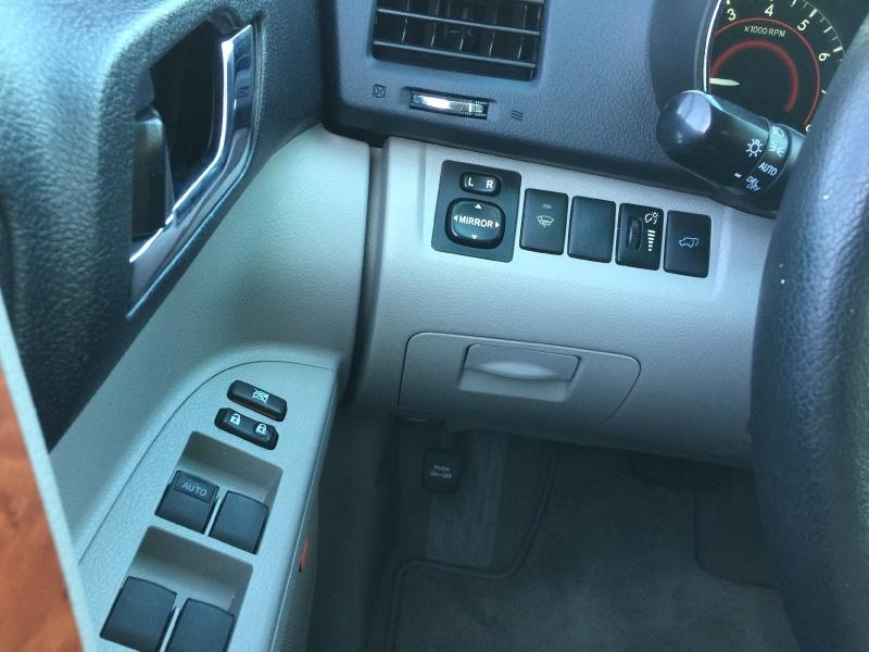 Toyota Highlander 2010 price $11,500