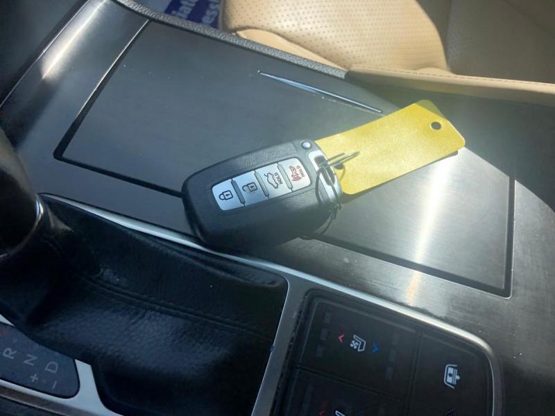 Hyundai Azera 2014 price $9,500