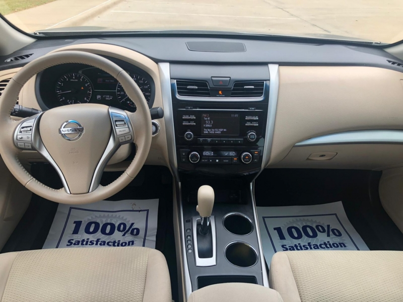 Nissan Altima 2015 price $9,990