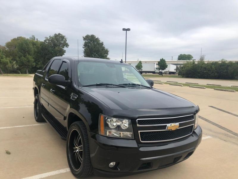 Chevrolet Avalanche 2007 price $10,990