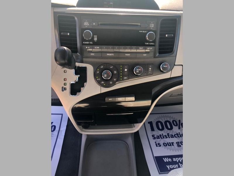 Toyota Sienna 2011 price $8,990