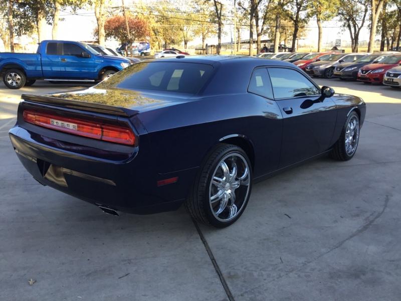 Dodge Challenger 2014 price $10,990