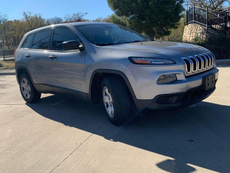 Jeep Cherokee 2014 price $9,990