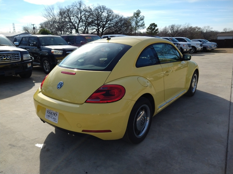 Volkswagen Beetle Coupe 2013 price $8,990
