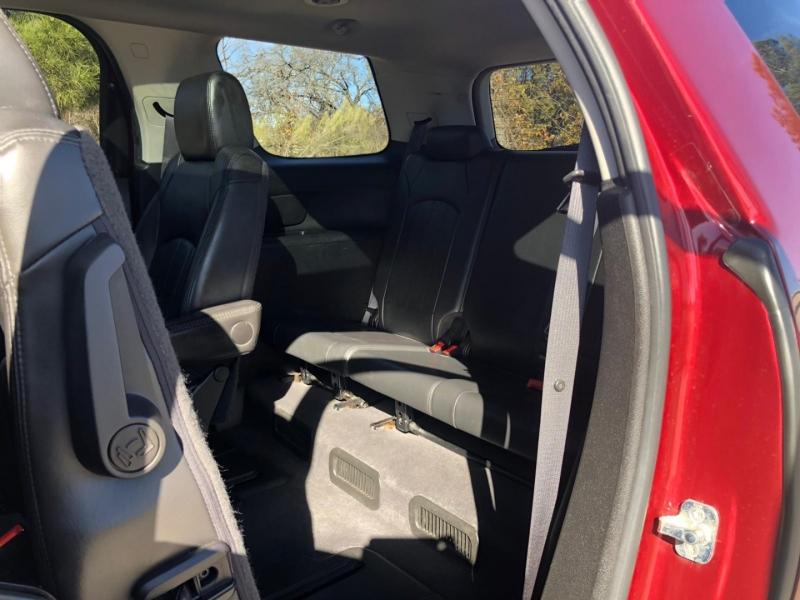 GMC Acadia 2011 price $8,990