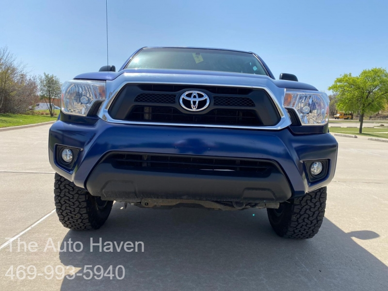 Toyota Tacoma 2015 price $18,990