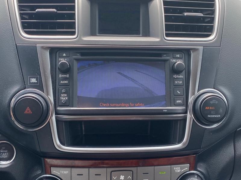 Toyota Highlander 2013 price $16,990