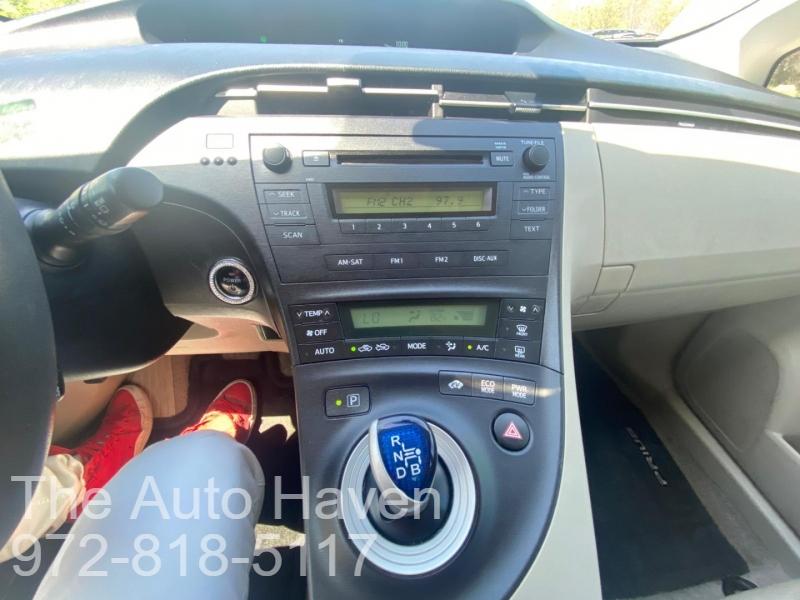 Toyota Prius 2011 price $9,990