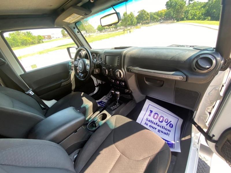 Jeep Wrangler Unlimited 2016 price $29,990