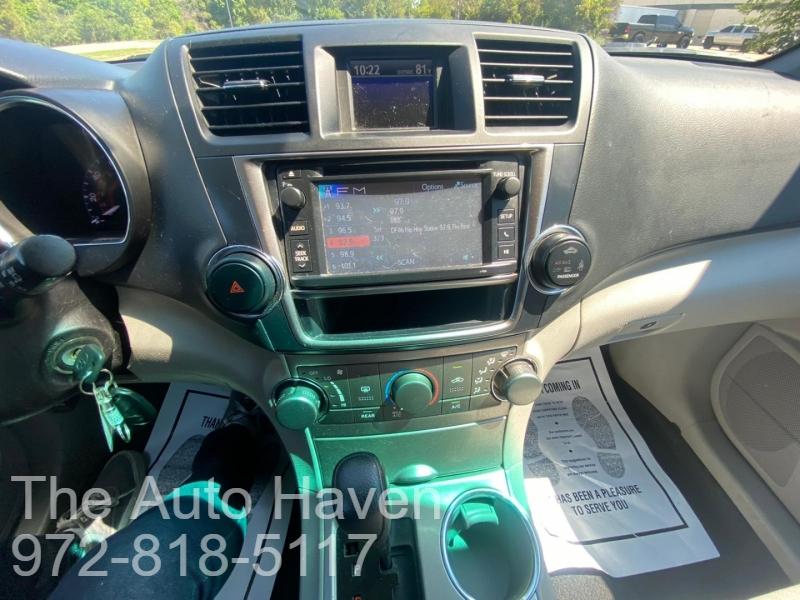 Toyota Highlander 2013 price $13,990